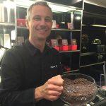 Jean-Pascal Sérignat, tout sourire chez Du Rhône Chocolatier
