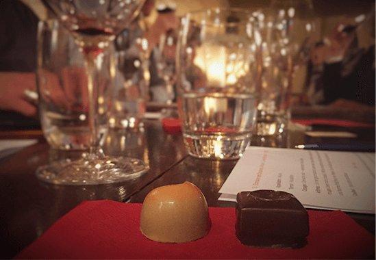 salon-chocolatiers-evenements-chocoaperos2_slide4